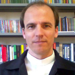 Prof. Pe. Elisandro Fiametti